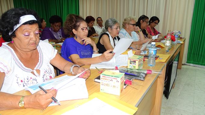 Sesiona en Bayamo encuentro nacional de bibliotecas escolares