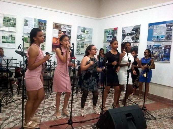 Estudiantes dedican velada cultural al 26 de Julio (+ fotos)