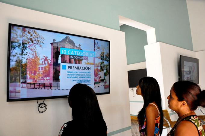 Convertida Bayamo en gigante galería de arte (+ fotos)