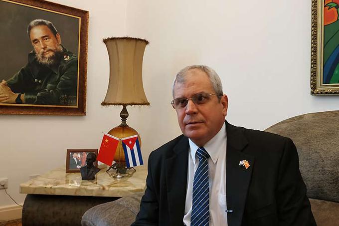 Cuba comparte con China experiencias de su proceso constitucional