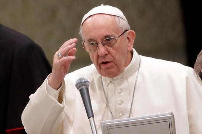Papa pide perdón a la comunidad gitana