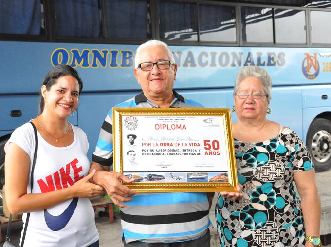 Festejan Día del Transportista (+ fotos)