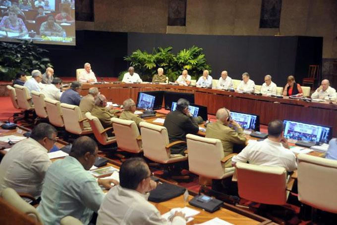 Consejo Ministros analiza marcha de la economía cubana