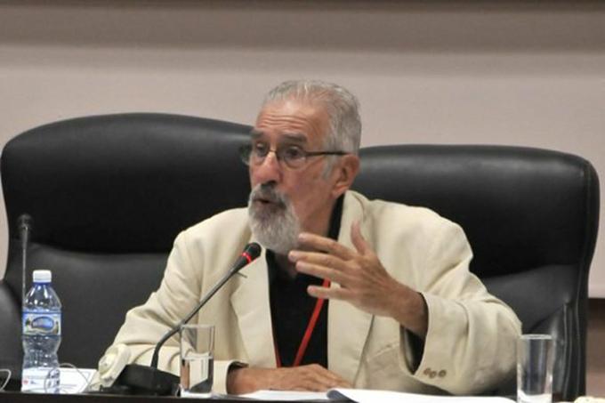 Intelectual argentino condena política agresiva de EE.UU. contra Cuba