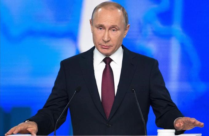 Putin llama a adaptar economía a nueva realidad, sin imposiciones
