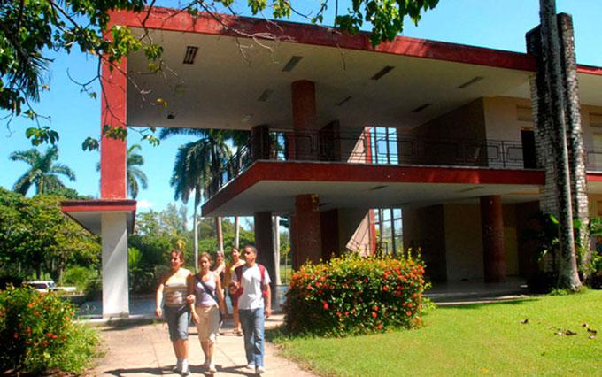 Robótica en Cuba por la senda del desarrollo