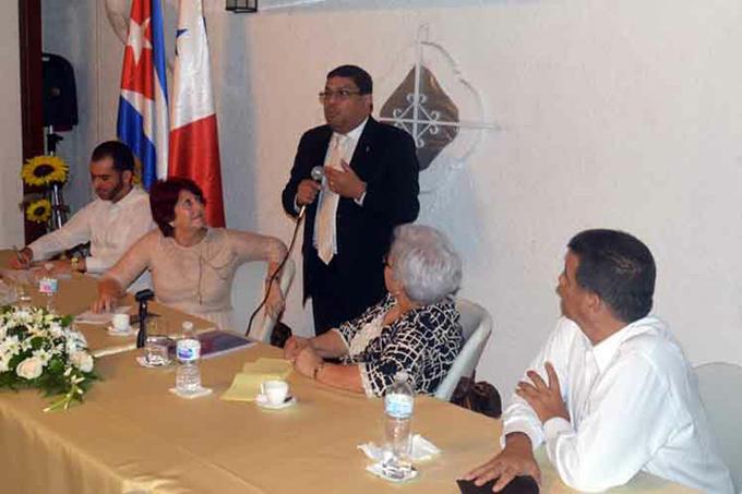 Presidente cubano deseó éxitos a su homólogo panameño (+fotos)