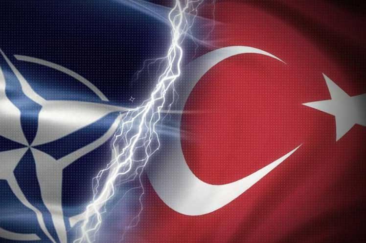 Turquía recibe armamento ruso y crecen tensiones con EE.UU.