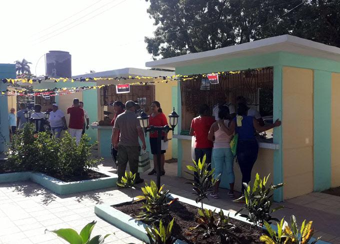 Yarenses disfrutan obras económicas y sociales en fecha histórica
