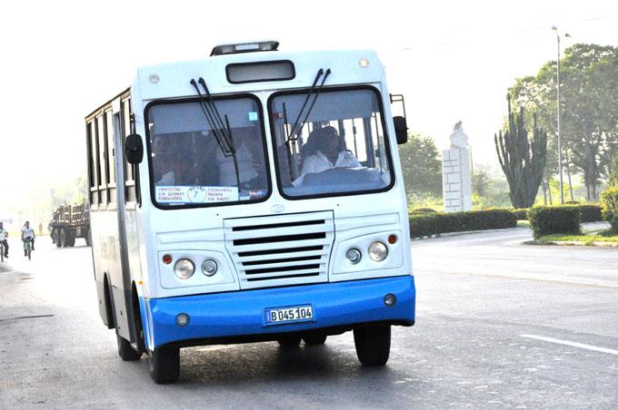 Garantizan transportación hacia acto nacional por el 26 de julio
