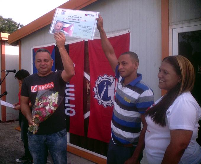 Entregan a Seisa certificado de Colectivo Victoria