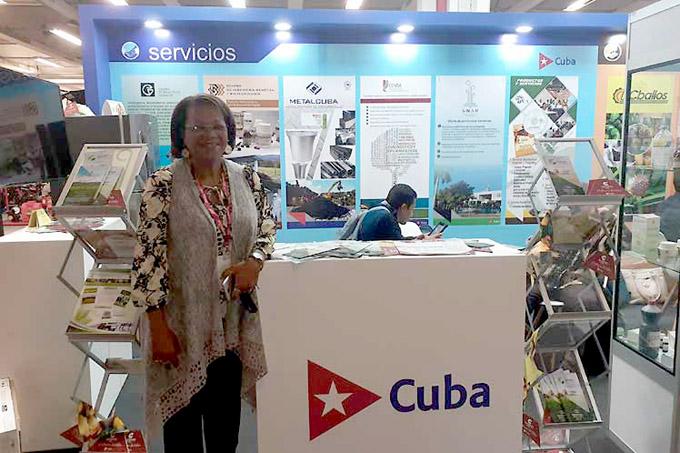 Concreta Cuba intercambios y convenios en feria colombiana