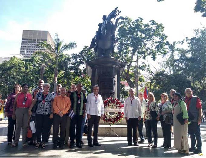 Delegación cubana a Foro de Sao Paulo rinde tributo a Bolívar y Martí (+Fotos)