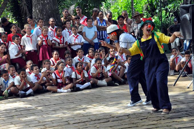 Guerrilla de Teatreros realiza gira por el Día de la Rebeldía nacional
