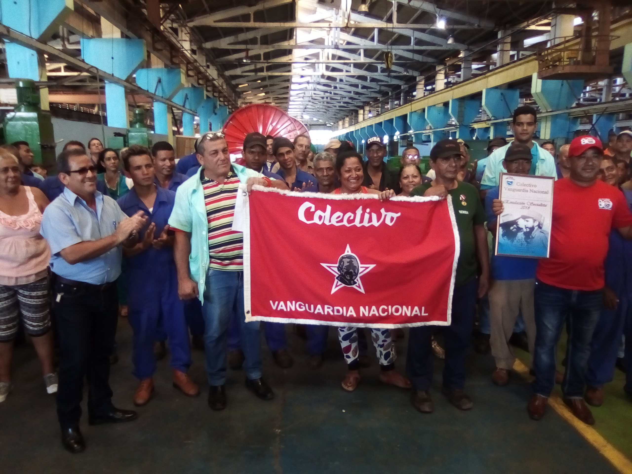 Recibe Fábrica Mecánica de Bayamo reconocimiento Vanguardia Nacional
