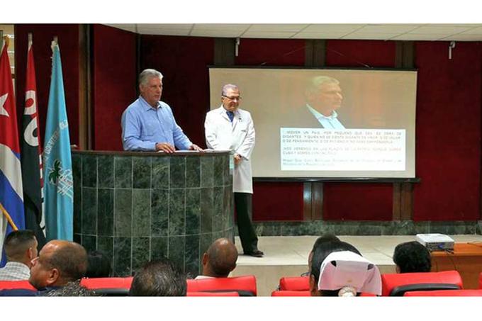 Recorre Díaz-Canel emblemático hospital ortopédico de La Habana (+Fotos)