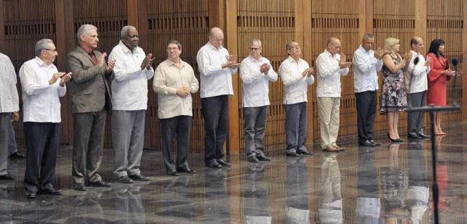 Presiden Raúl y Díaz-Canel acto de juramentación de jefes de misiones diplomáticas en el exterior