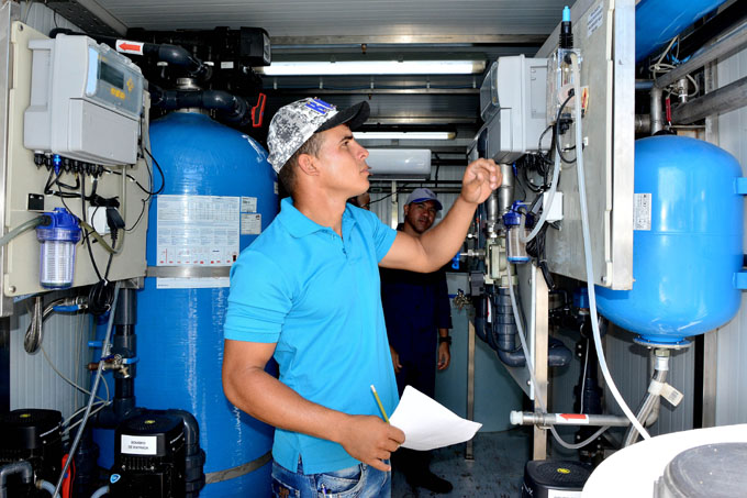 Presentan plan hidráulico a diputados cubanos