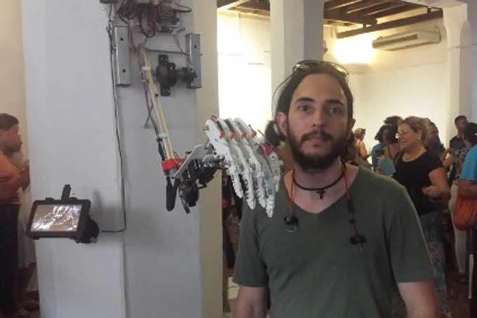 Exponen maravillas de la robótica en galería de Cuba