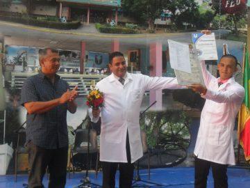Dedican a Fidel graduación de nuevos médicos granmenses (+fotos)