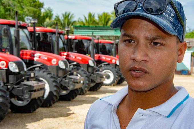 Dotan de nueva tecnología a empresa agropecuaria Roberto Estévez Ruz, de Cauto Cristo