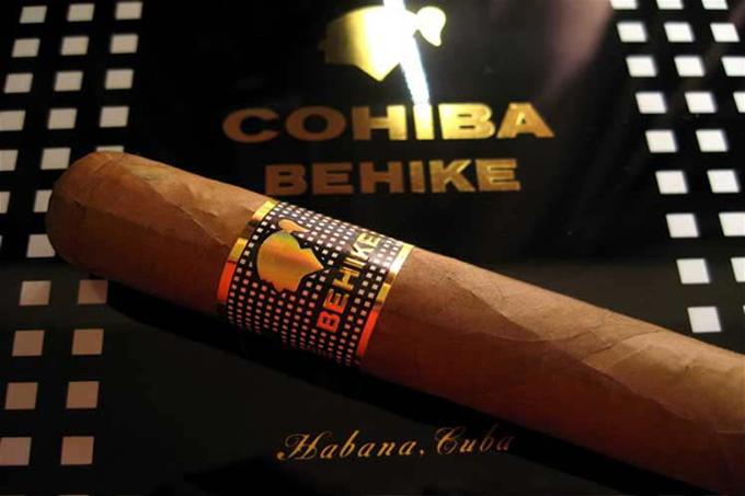 Critican en Cuba prohibición de venta de tabaco Cohiba en Brasil