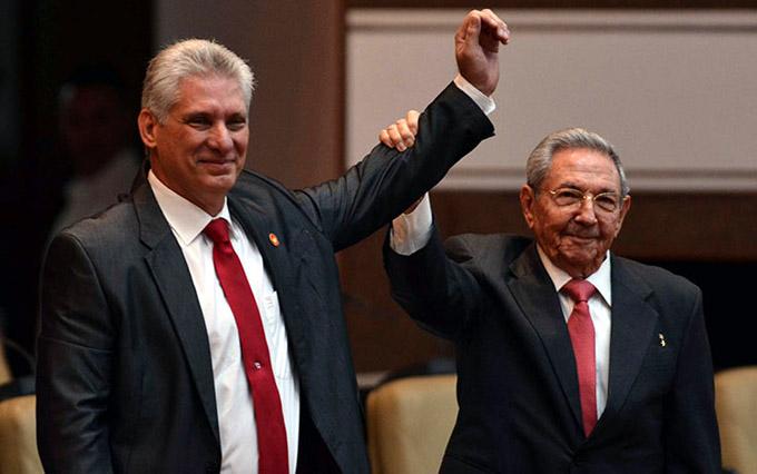 Máximas autoridades cubanas asisten a plenaria del Parlamento