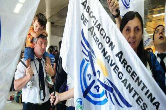Trabajadores de la aviación argentina contra política comercial