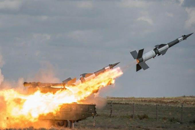 Israel bombardea dos posiciones militares en el sudoeste de Siria