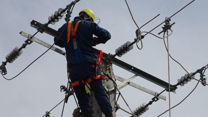 Beneficiadas familias guiseras con mejoras en el servicio eléctrico (+ audios)