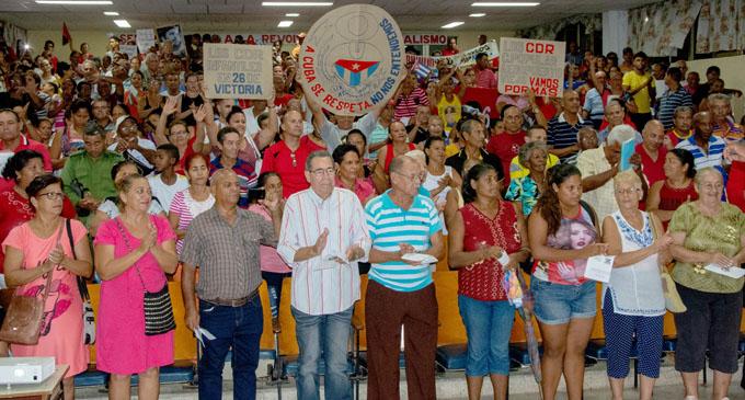 Los cederistas granmenses saludan con acciones el 26 de Julio