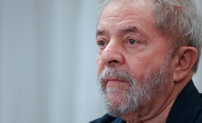 Lula fue silenciado para impedir su presidencia, afirma Chomsky
