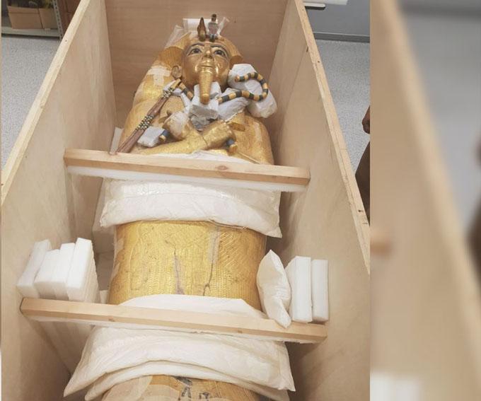 Restauran por primera vez sarcófago del faraón Tutankamón