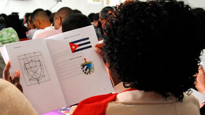 Flexibilizar uso de símbolos nacionales, eje de futura ley cubana