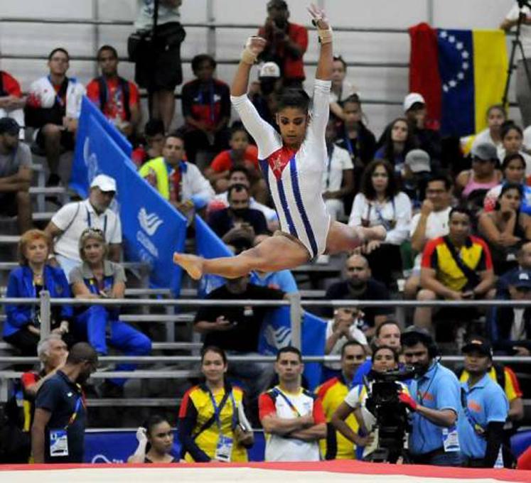 Gimnasta Videaux avanza al concurso individual en Lima 2019