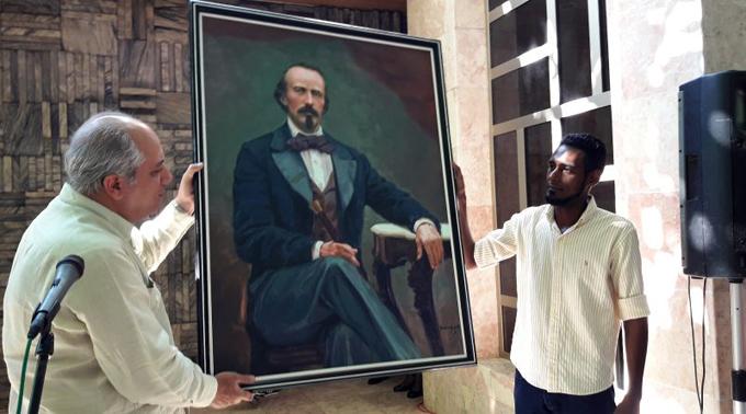 Génesis y mitos honra a Manzanillo
