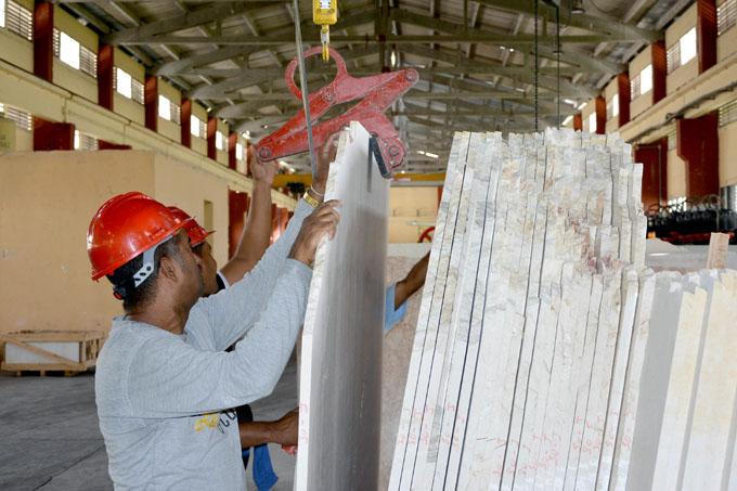Resalta presidente de Cuba importancia del sector empresarial