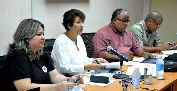 Resalta Ministra de Educación labor de educadores en Granma (+audio)