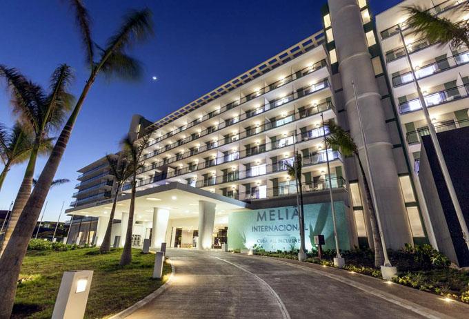 Ministro cubano considera un éxito apertura de otro hotel en Varadero