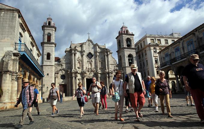 Esperan llegar a tres millones de turistas en Cuba en próximos días