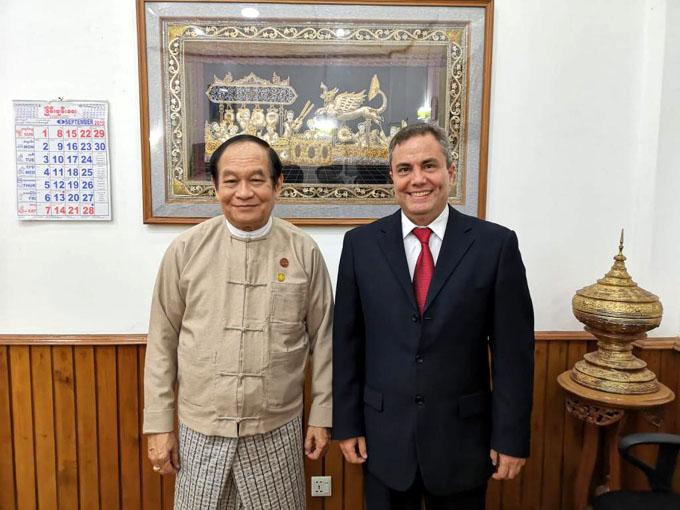 Myanmar y Cuba por impulsar cooperación en salud