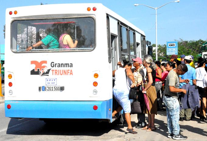 Adoptan medidas en transportación de pasajeros y cargas