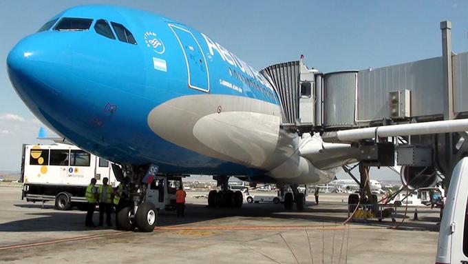 Establece Cuba nuevas tarifas para  servicios aeronáuticos