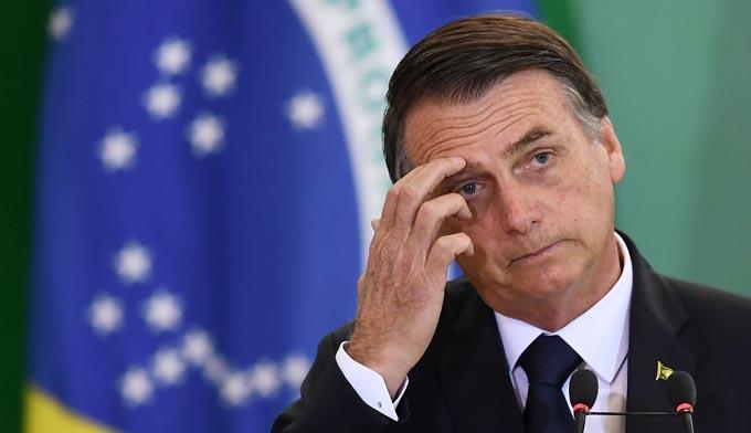 Bolsonaro abordará con gobernadores acciones contra fuego en Amazonia