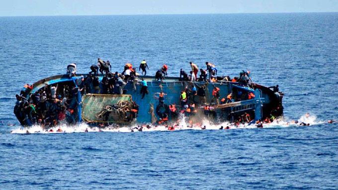 Más de 900 migrantes y refugiados muertos en el mar Mediterráneo