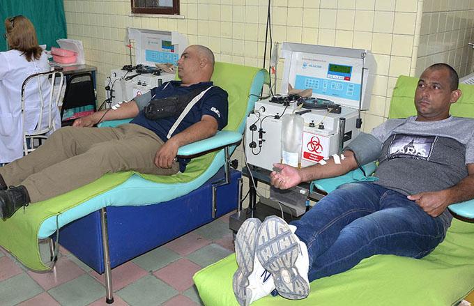 Realizan donaciones de sangre en homenaje al Líder de la Revolución