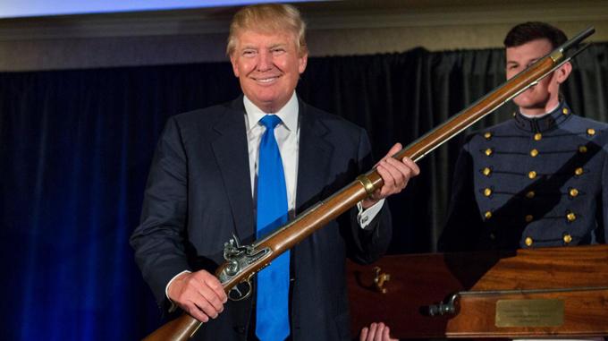 EE.UU., las armas y los hilos de la Asociación Nacional del Rifle