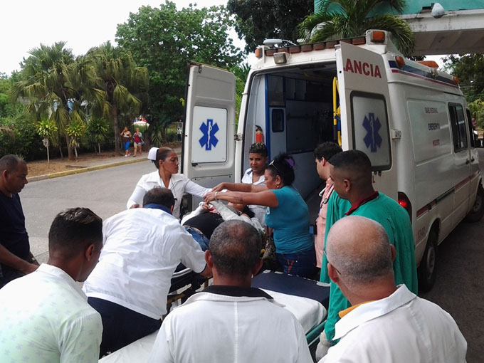 Dos personas reportadas de grave con peligro para la vida tras accidente de tránsito en Niquero