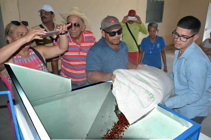 Inauguran planta para secado de granos en Pilón