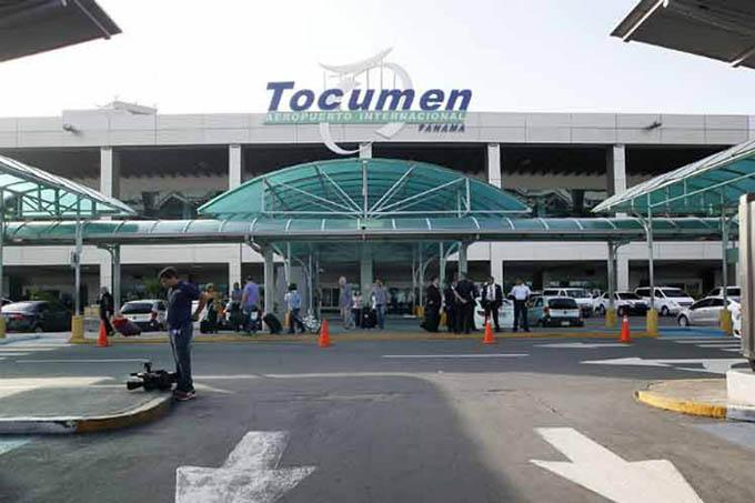Ley podría establecer impuesto a pasajeros de tránsito por Panamá